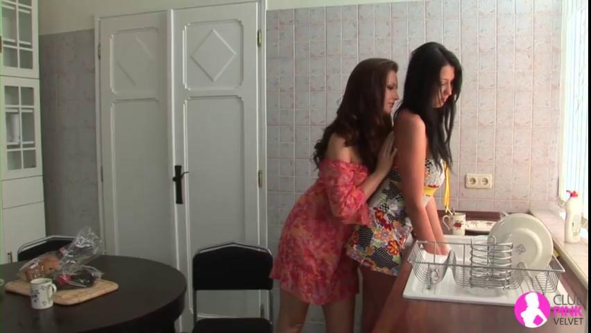 Lesbian Milf Seduces Girl Hd